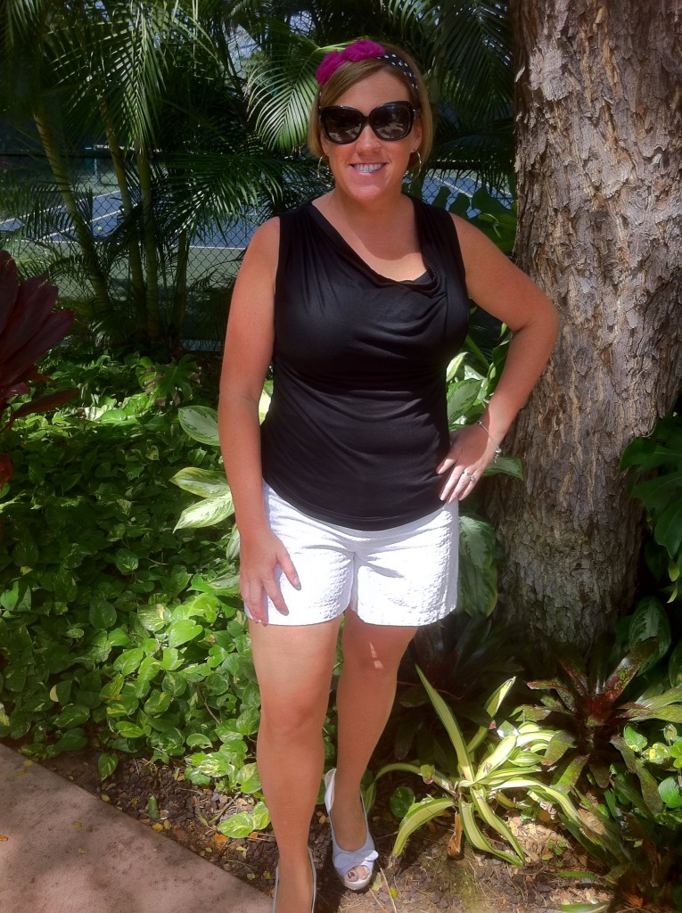 black-shirt-white-shorts-hawaii